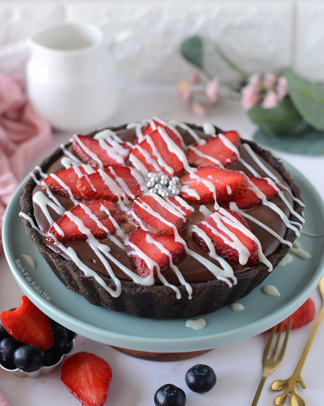 Egg free strawberry oreo chocolate tart no bake dessert recipe valentine day special