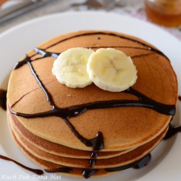 Eggless Banana Pancakes with whole wheat flour