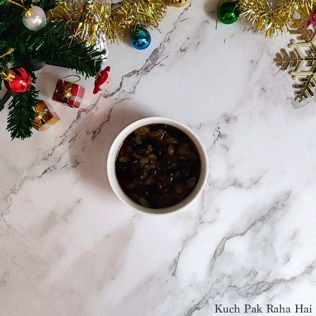 Eggless-Christmas-Cake-Step2