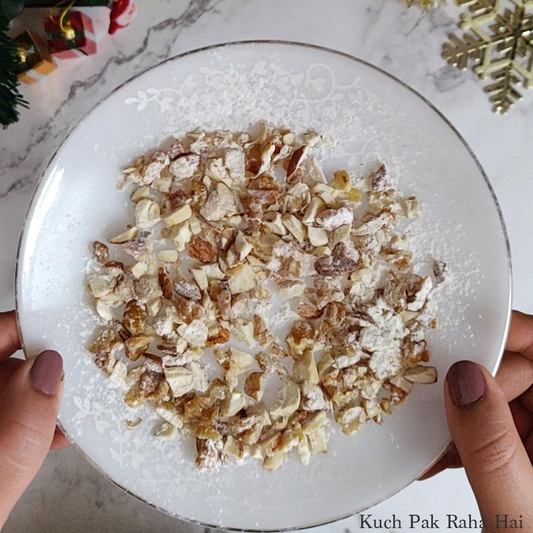 Eggless-Christmas-Cake-Step5