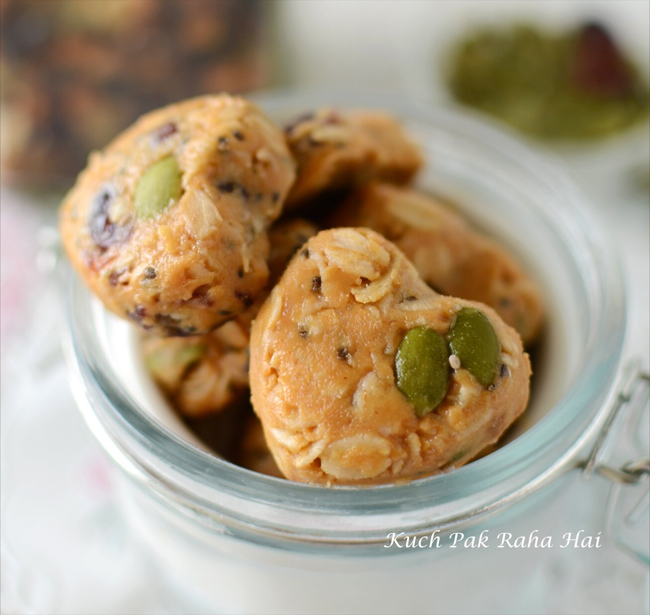 No Bake Oats Peanut Butter Energy Bites Easy Oats Recipe