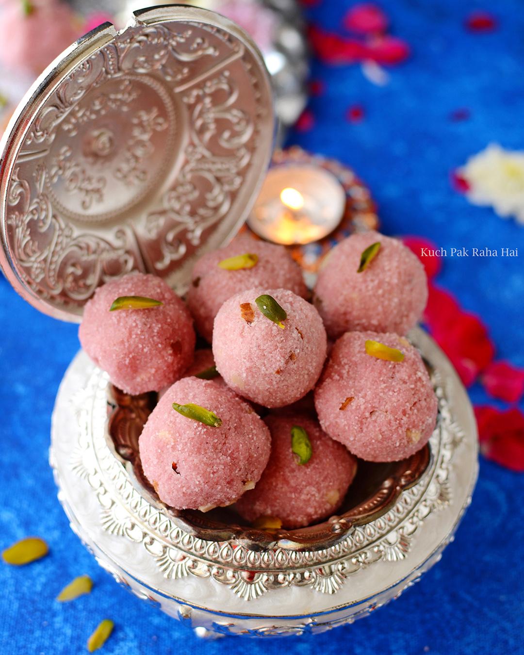 Rava-Ladoo-Recipe