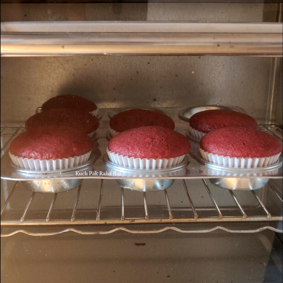 Eggless-Red-Velvet-Cupcakes-Step7