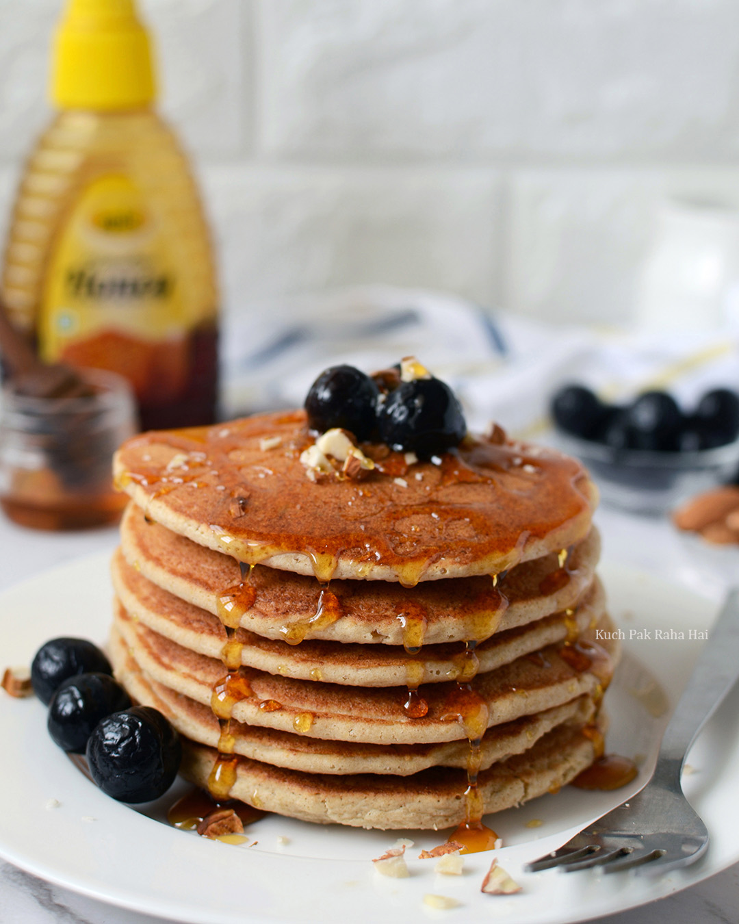 Eggless Oats Pancake Recipe